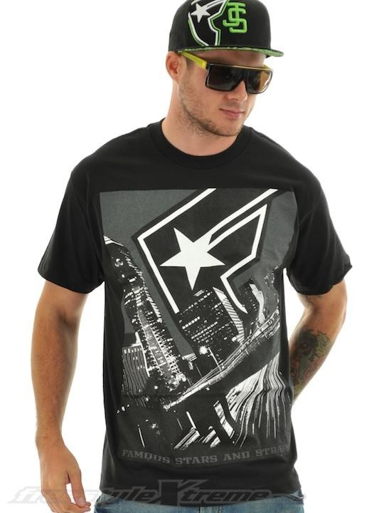 FAMOUS - FLYING BY TEE BLACK