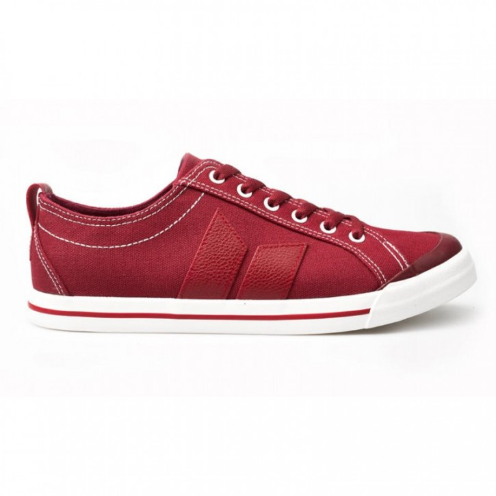 MACBETH - ELIOT OXBLOOD RED